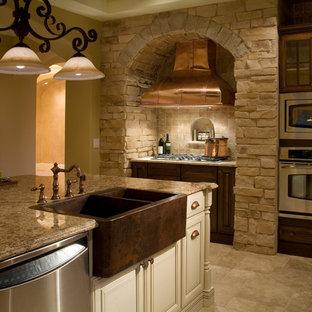 Mediterranean kitchen remodeling - Kitchen - mediterranean kitchen idea in Orlando