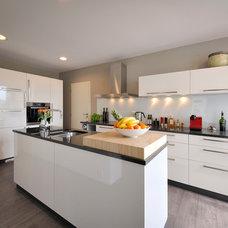 Contemporary Kitchen by KYZLINK