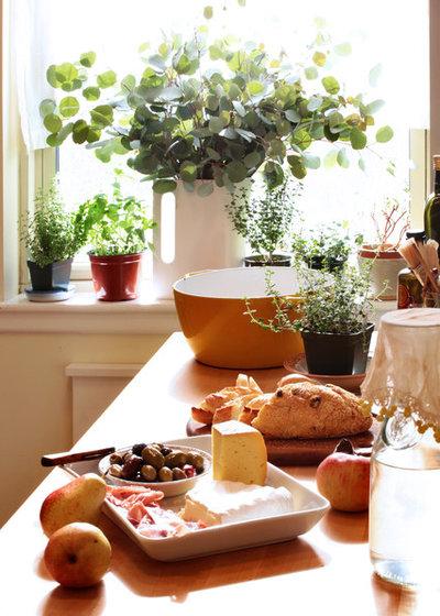 エクレクティック キッチン by moment design + productions, llc