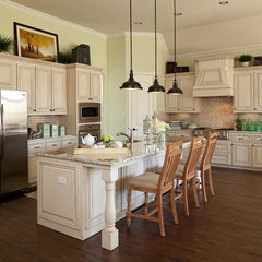 traditional kitchen by K. Hovnanian Homes