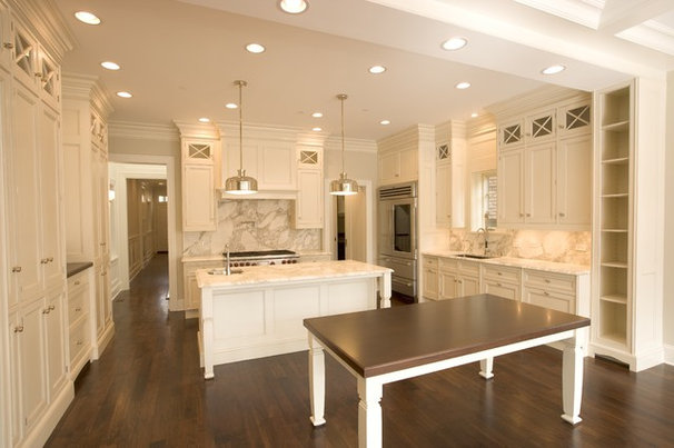 Traditional Kitchen by Vincere, Ltd.