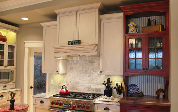Farmhouse Kitchen by Thelen Total Construction