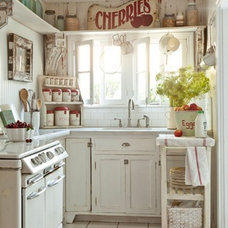 Farmhouse Kitchen by tumbleweed and dandelion.com