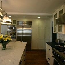 Traditional Kitchen by South Bay Design Center