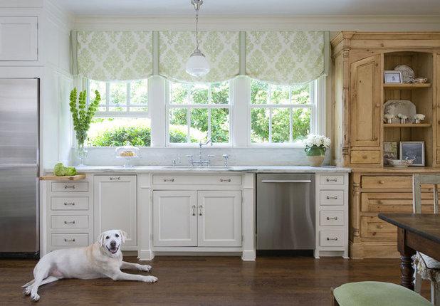 Классический Кухня by Katie Emmons Design