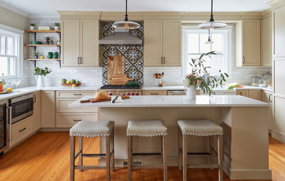 Kitchen of the Week: Beige Cabinets and a Vintage Vibe