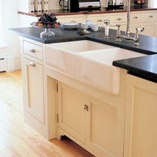 Traditional Kitchen Vintage Unfitted Kitchen Design