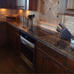 kitchen by Arbor Crest Builders LLC.