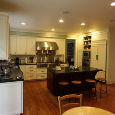 Traditional Kitchen by Nunley Custom Homes