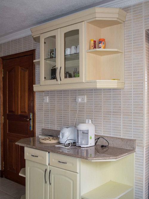 Houzz | 50+ Best Kenya Kitchen with Marble Backsplash Pictures ...