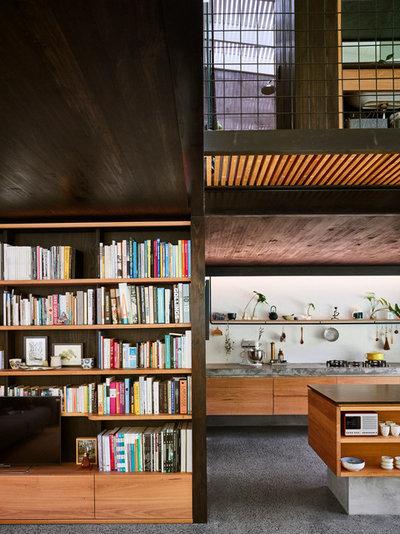 Modern Kitchen by JOHN ELLWAY. ARCHITECT