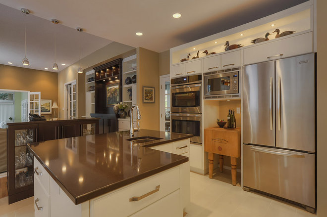 Contemporary Kitchen by Creative Spaciz / SPACIZ Design Studio