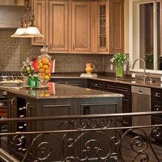 Mediterranean Kitchen by Lakeville Homes