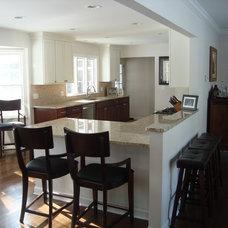 Modern Kitchen by Kristen Shellenbarger Designs