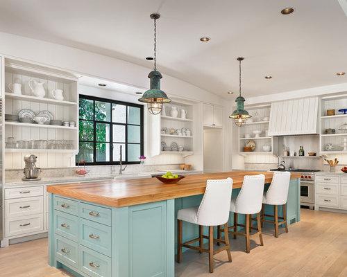 cuisine bord de mer avec un plan de travail en bois. Black Bedroom Furniture Sets. Home Design Ideas