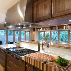 Modern Kitchen by Ashley Cole Design