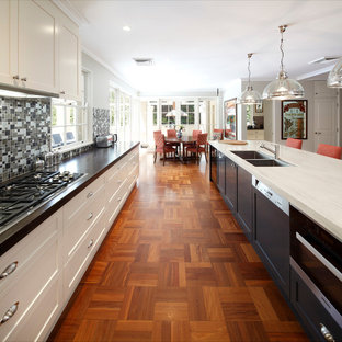 Traditional kitchen appliance - Example of a classic kitchen design in Sydney