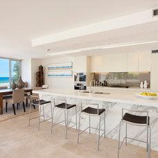 Contemporary Kitchen by Sandberg Schoffel Architects