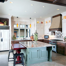 Contemporary Kitchen by Visbeen Architects