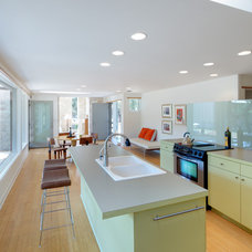 Modern Kitchen by Nick Deaver Architect