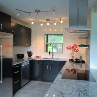 Inspiration for a contemporary kitchen remodel in Jacksonville