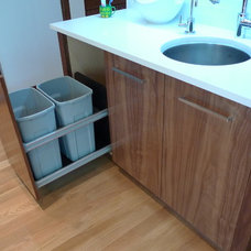 Contemporary Kitchen by Moda Kitchens & Cabinets Inc