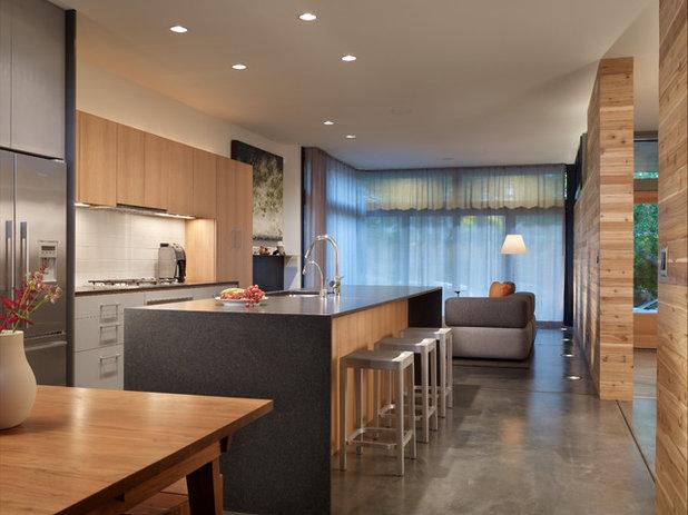 Modern Kitchen by Mohler + Ghillino Architects