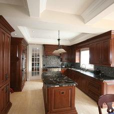 Traditional Kitchen by DeVrye Renovations
