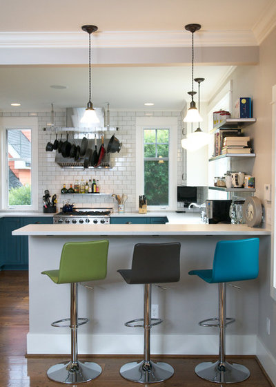 Contemporary Kitchen by GT Residential Contracting, LLC