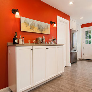 Traditional kitchen pictures - Elegant kitchen photo in Seattle