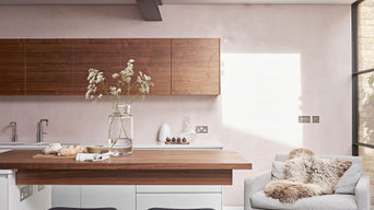Walnut & White Contemporary Kitchen, Richmond