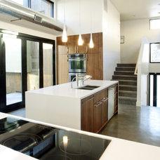 Modern Kitchen by Design Platform