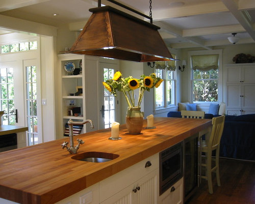Great Example Of A Trendy Kitchen Design In San Francisco With An Undermount  Sink, White Cabinets