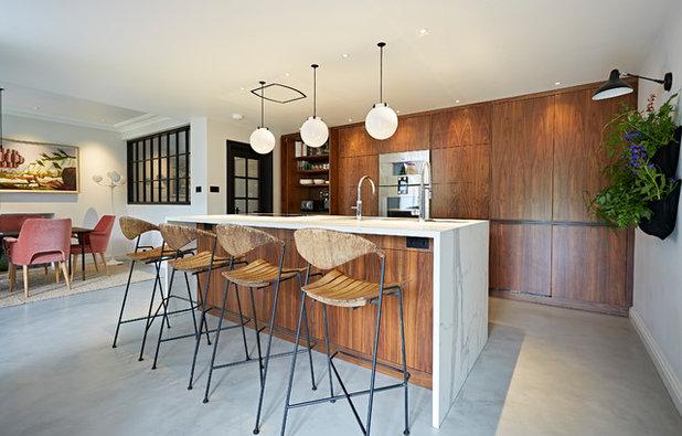 Midcentury Kitchen by HCC Interiors