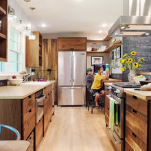 Painted vs. Stained Kitchen Cabinets: A Comparison
