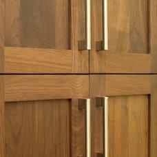 Modern Kitchen by E3 Cabinets & Design