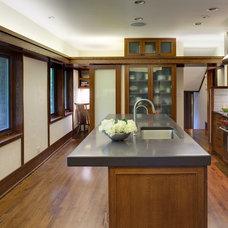 Modern Kitchen by Tom Bassett-Dilley Architect, Ltd.