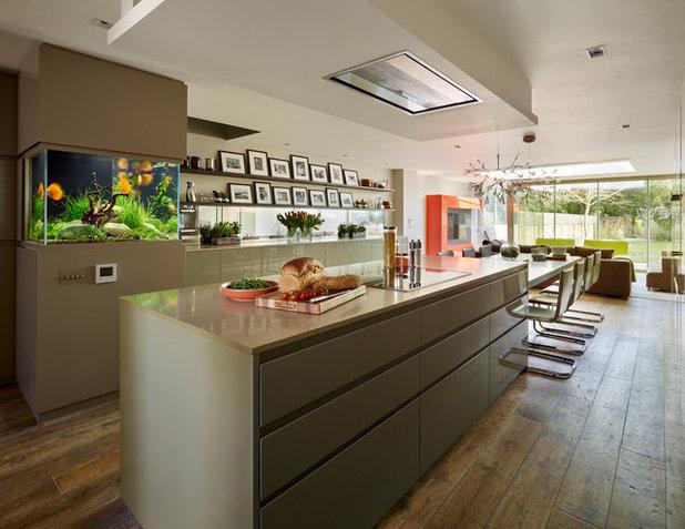 Contemporary Kitchen by Ensoul Ltd