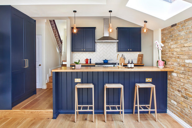 Transitional Kitchen by HOLLAND STREET KITCHENS