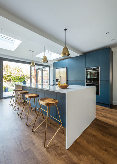Contemporary Kitchen by Classic Kitchens