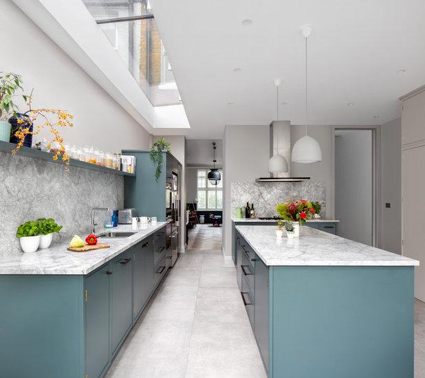 Scandinavian Kitchen by EMR Architecture