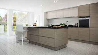 Warm Grey Oak Handleless Kitchen