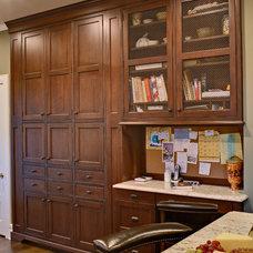 Traditional Kitchen by Hofmann Design Build, Inc.