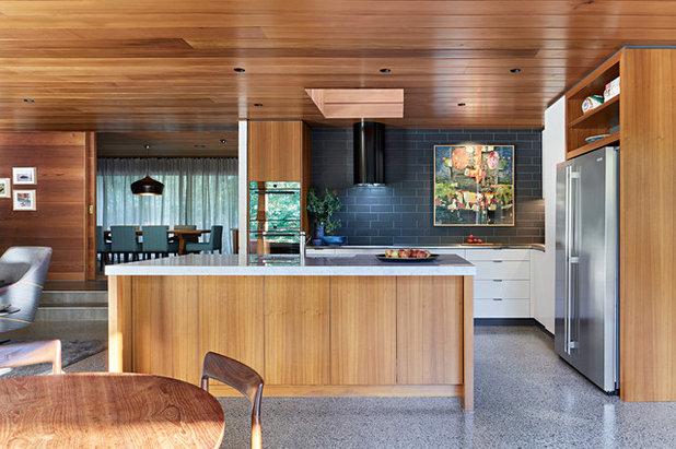 ミッドセンチュリー キッチン by Adie Courtney Architect
