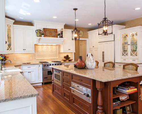traditional contrasting kitchen