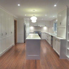 Traditional Kitchen by House to Home Finishes P/L