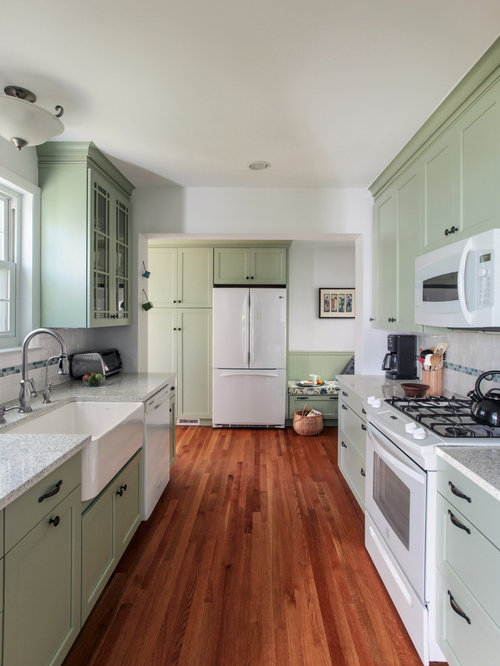Light green cabinets houzz Kitchen cabinets light green