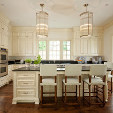 Traditional Kitchen by Jessica Jubelirer Design