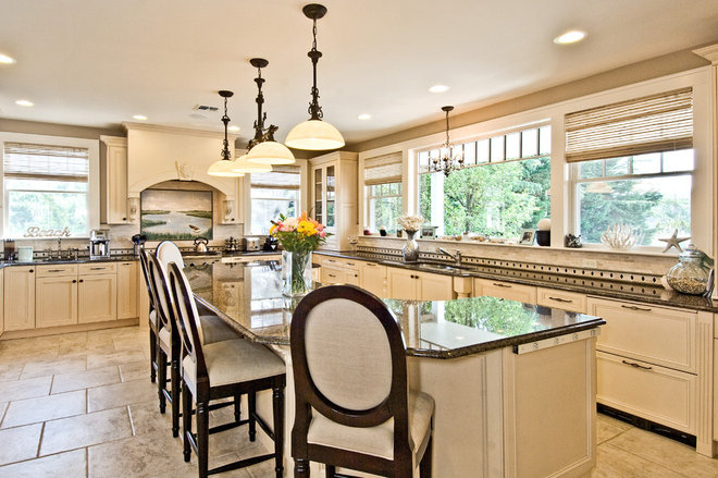 Traditional Kitchen by James Traynor Custom Homes