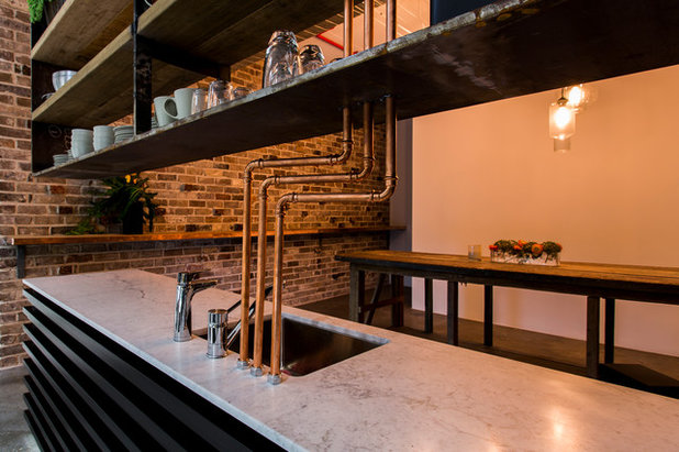 Industrial Kitchen by OMG Projects